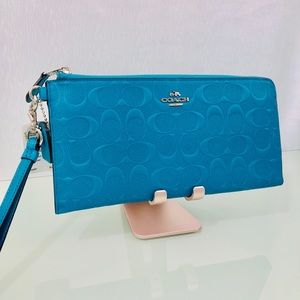 NWT - COACH - Turquoise emb Carry All